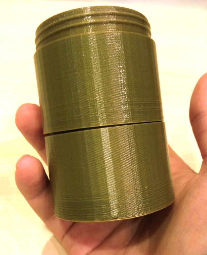 3Dプリンターの眼鏡ケース1