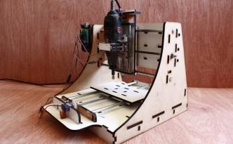 家庭用CNCマシン Makesmith CNC