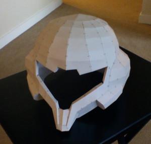 ヘルメットの大まかなカタチを3Dプリント