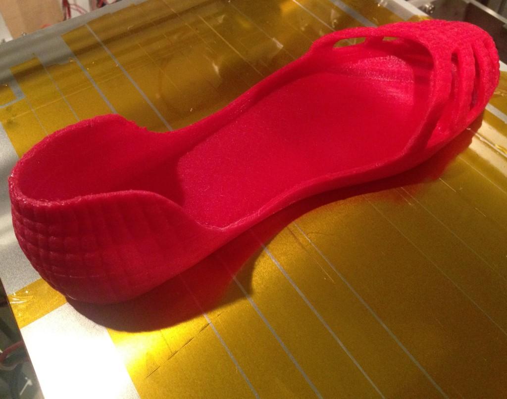 3Dプリンターで靴を出力
