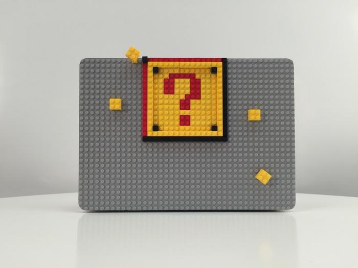 MacbookケースのBrik Caseにブロックをつけた状態