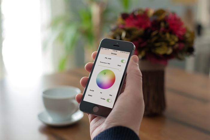 スマートフォンから色を変える