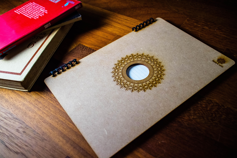レーザーカッターで作ったノートカバー