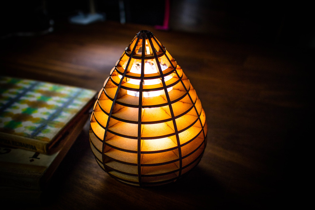 レーザーカッターの水玉照明