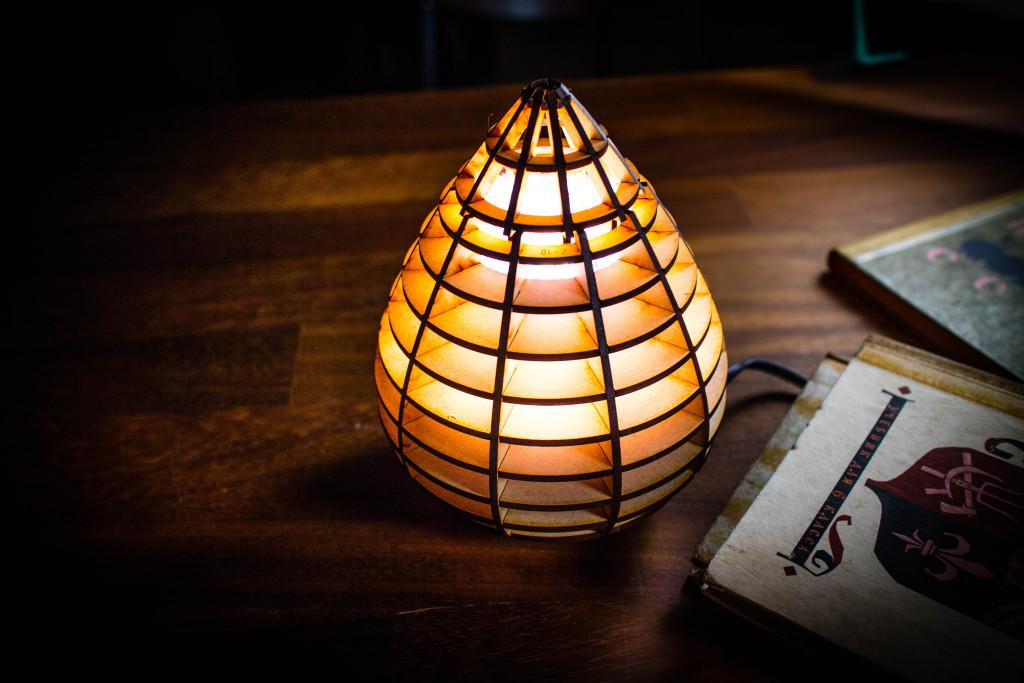 レーザーカッターで作った水玉ライト