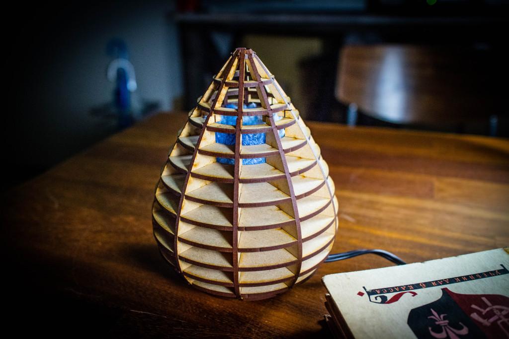 水玉型のランプ