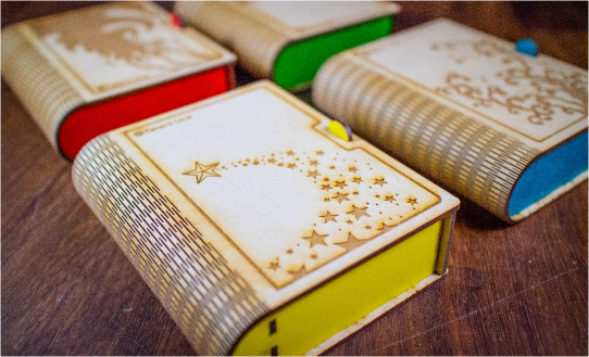 レーザーカッターで作ったブック型ボックス