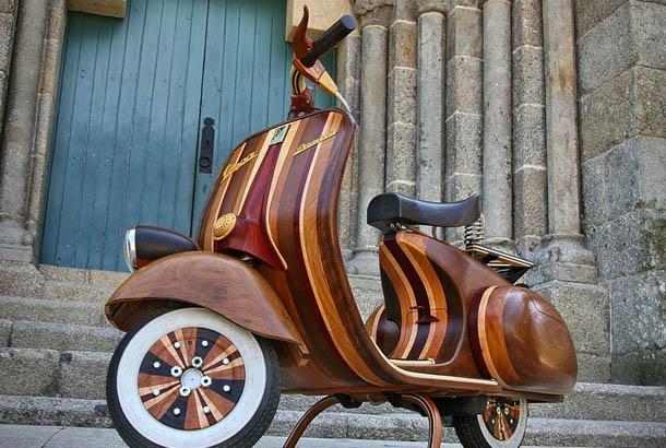 木製のバイク