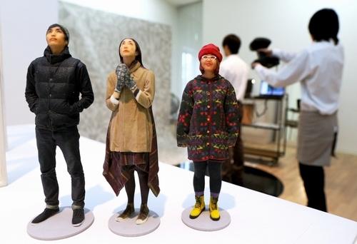 東京・表参道で開催中の3D写真館 OMOTE 3D SHASHIN KAN