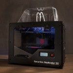 Makerbot Replicator 2X 発売