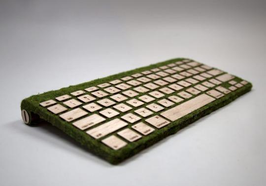 木とコケのキーボード