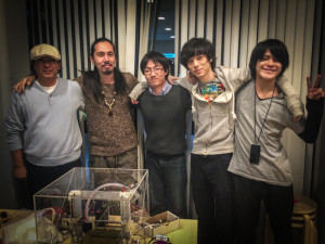 中から、メイカーズ・ラブ石丸、ワークに参加した学生さん、genkei千村さん、内村さん