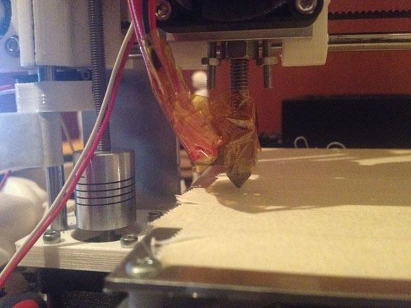 3Dプリンター 第一層が剥がれる