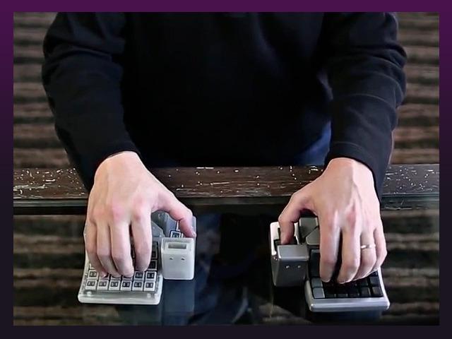キーボードとマウスの一体型