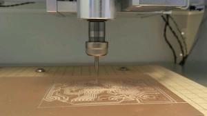 CNCで半導体基板を削る