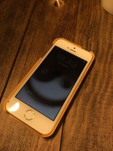 3DプリントしたiPhoneケースを装着
