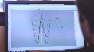 金属フレームの形状を3DCADで設計