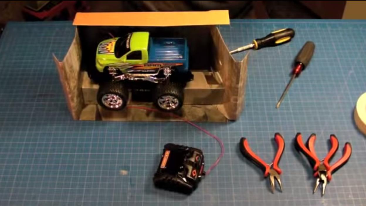 トゲゾーのラジコンを3Dプリンターで実現