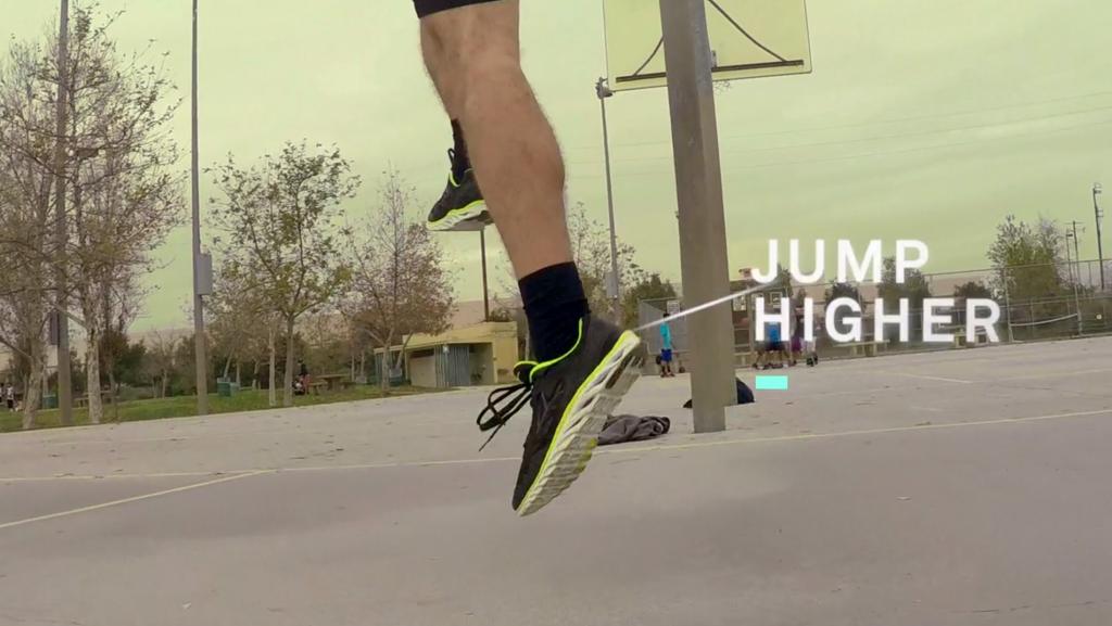 ADPTIVを履くことで、より高くジャンプすることができます。