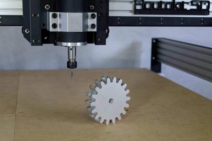 低価格CNCでアルミの切削