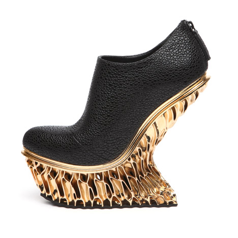 United-Nude-Francis-Bitonti-Mutatio-Collection-3D-printed-gold-plated-shoe_dezeen_468_6