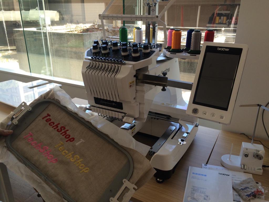 コンピューター刺繍機