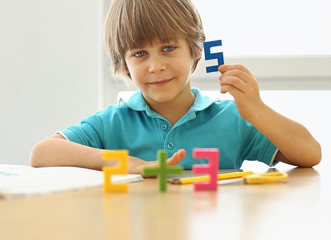 磁石の玩具PIXIOで作った数字