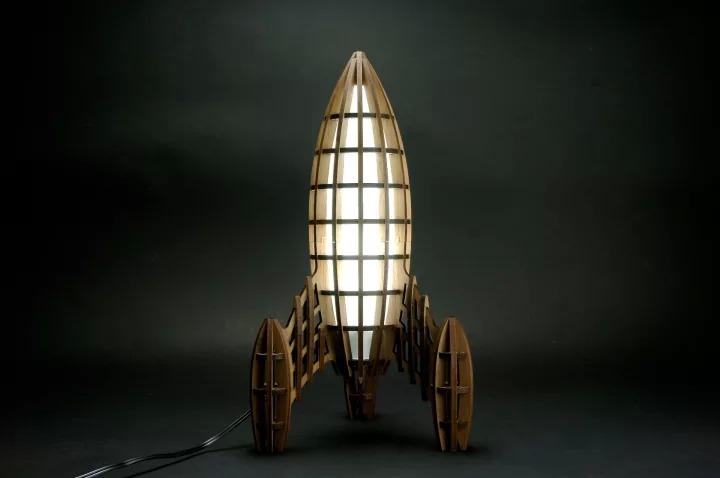 ロケット型ランプ