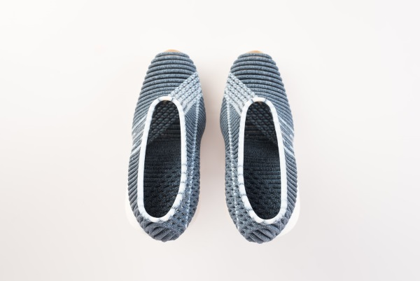 3Dプリンターの靴の上