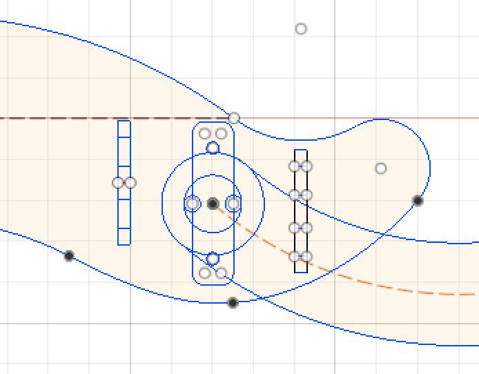 固定や構造部分も考えてスケッチを描く