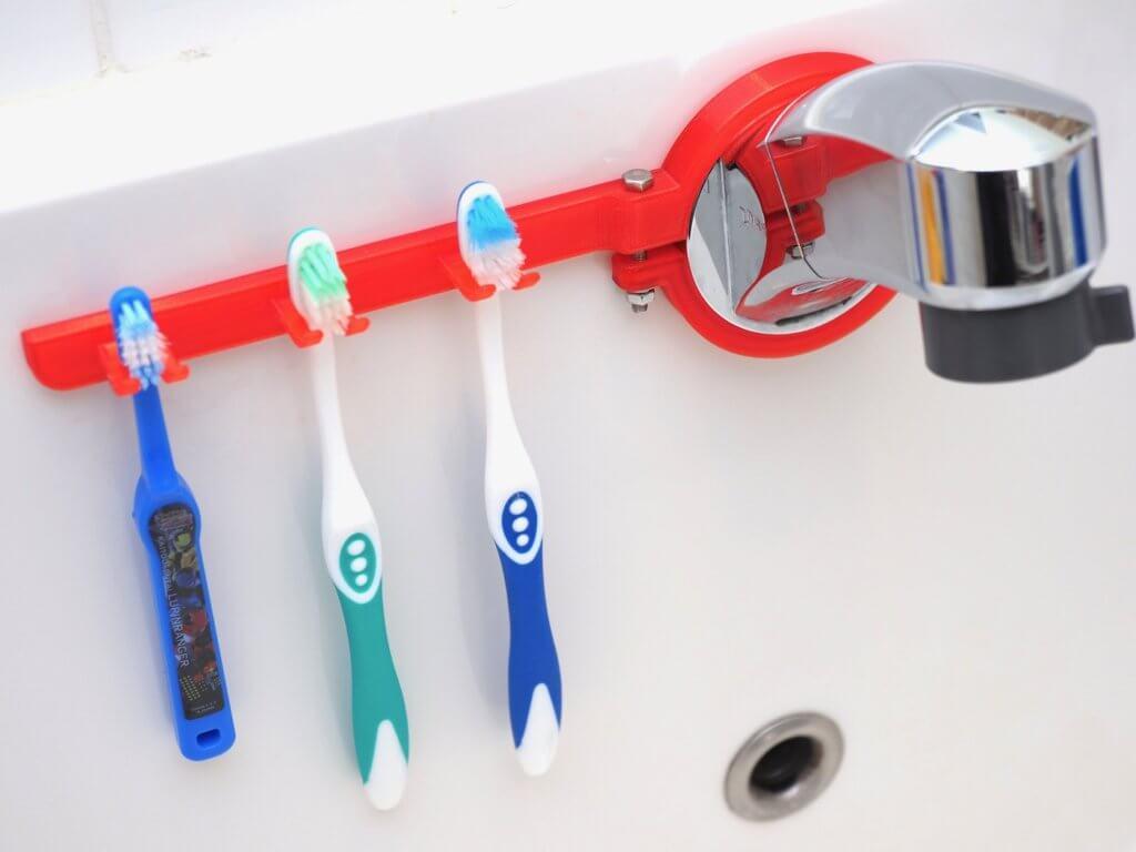 蛇口固定型歯ブラシホルダー