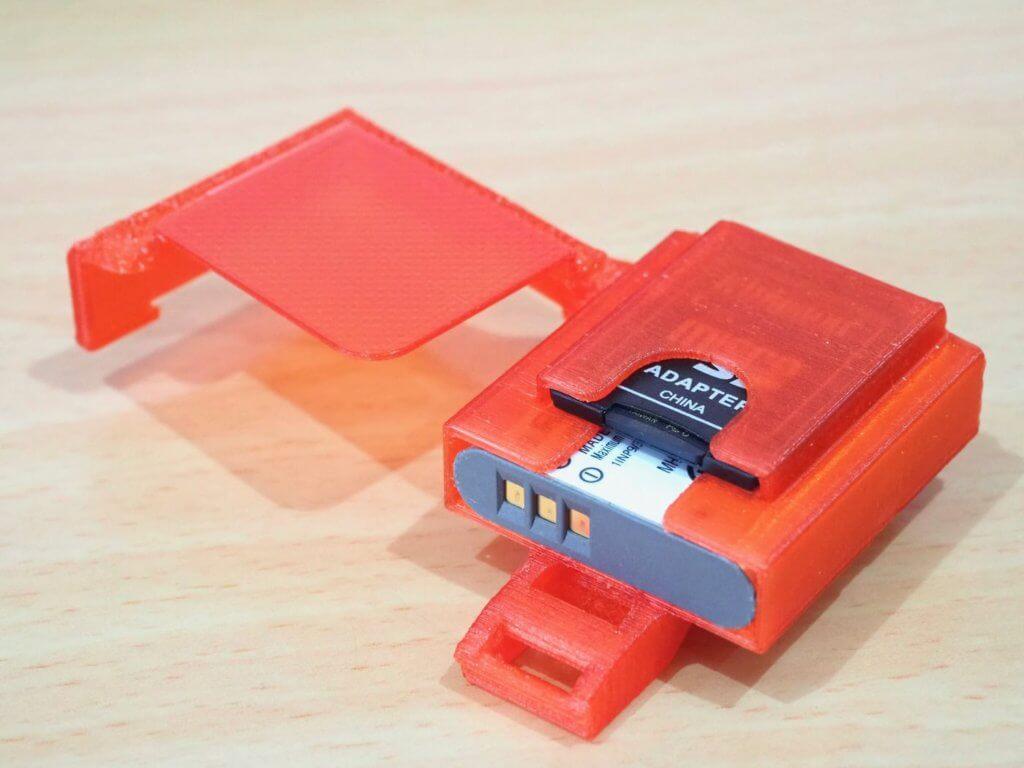 RICOH GR III用ネックストラップ固定式SDカード&バッテリーケース